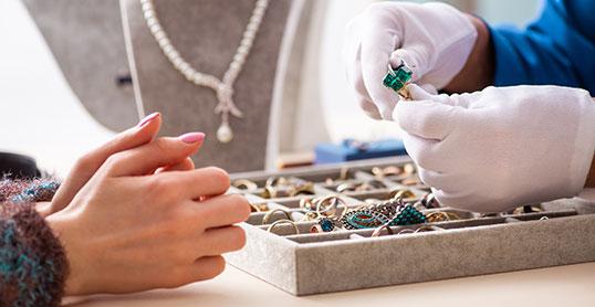 Evenor Expertises | Expertise et achat de bijoux anciens et de bijoux d'occasion | Nice, Monaco, Menton, Cannes - France - International