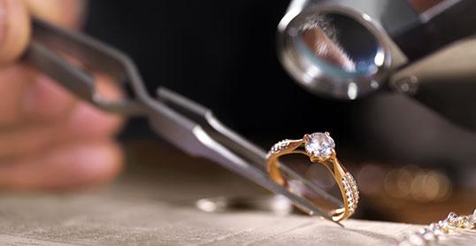 Evenor Expertises | Expertise et achat de bijoux anciens et de bijoux vintage | Nice, Monaco, Menton, Cannes - France - International