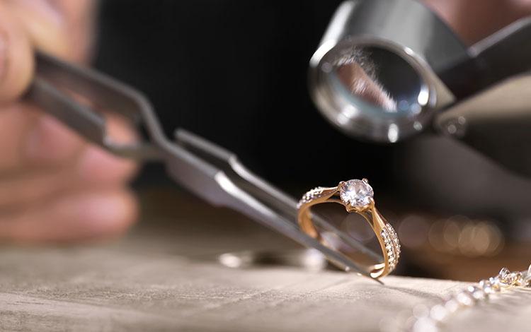 EVENOR ESTIMATIONS | Estimations, achat et vente de bijoux anciens et de bijoux vintage | Nice • France • International